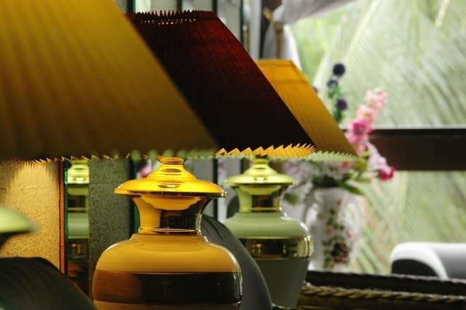 Eleganti paralumi per lampade da tavolo idfdesign - Paralumi per lampade da tavolo ...