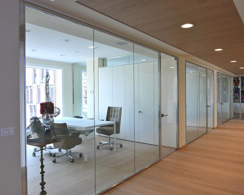 Sistema di pareti divisorie per uffici idfdesign for Pareti divisorie da ufficio