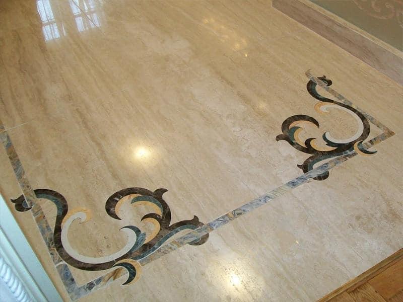 Pietra pavimento disegno : Pavimento in pietra Travertino Navona, con intarsio di marmo Pavimento ...