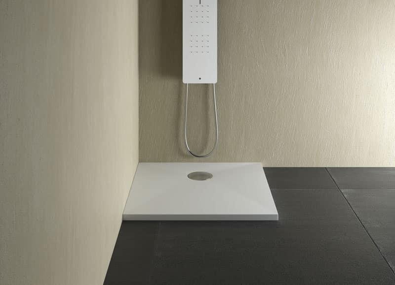 Piatto doccia per terme e piscine idfdesign - Pareti doccia in resina ...
