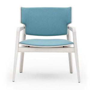 Offset 02843, Poltroncina in legno massiccio, sedile e schienale imbottiti, in stile moderno