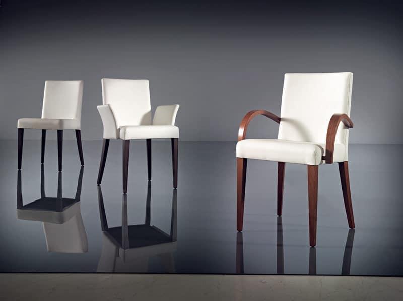 Sedia con braccioli moderna in faggio e pelle albergo for Sedie con braccioli