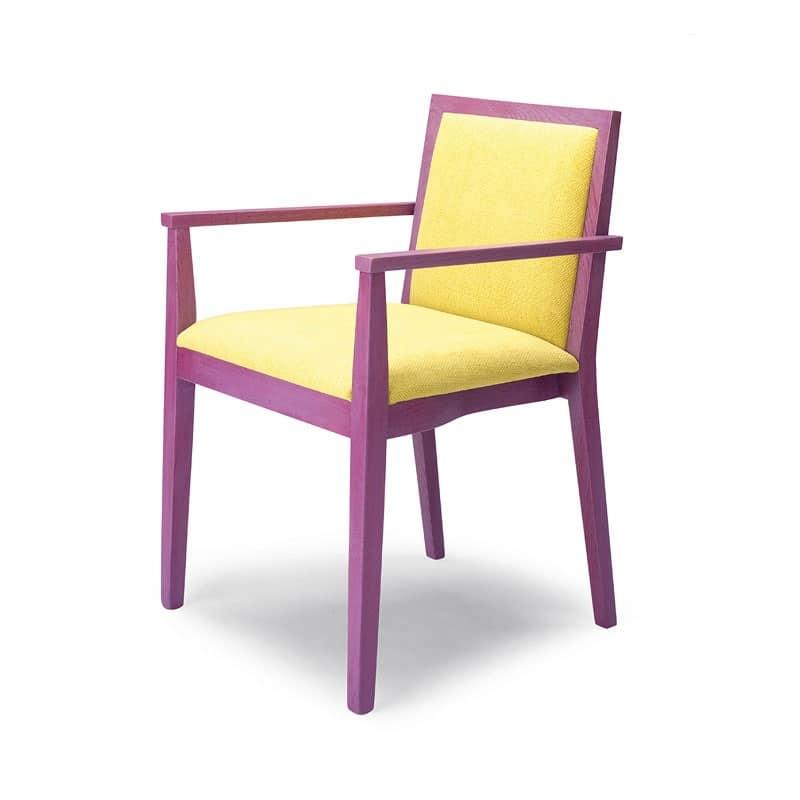 Sedia con braccioli imbottita in legno di faggio idfdesign for Sedie con braccioli
