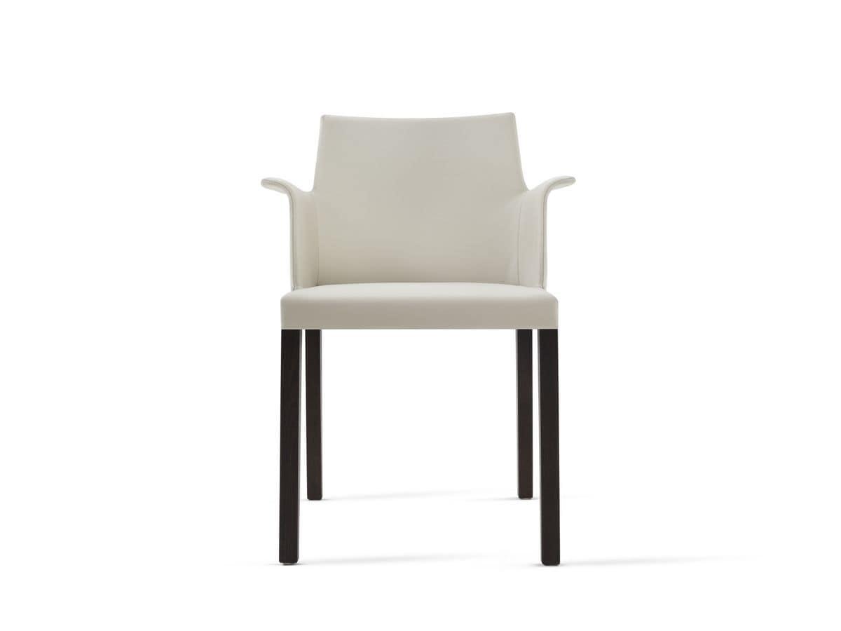 Poltroncina con gambe in legno seduta e schienale imbottiti rivestimento in pelle idfdesign for Poltroncine in pelle