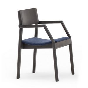 Maki 03722, Poltroncina in legno con sedile tappezzato