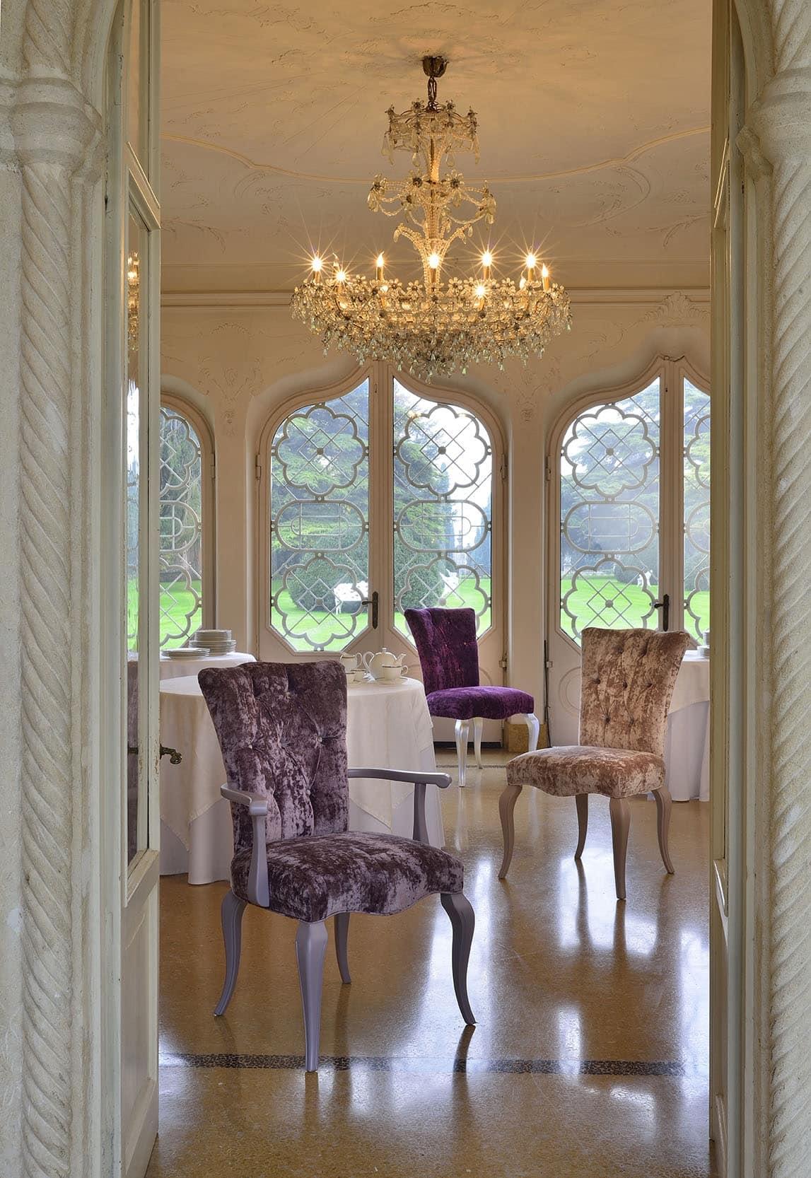ROYAL poltroncina 8494A, Poltrona in stile classico di lusso con imbottitura capitonnè