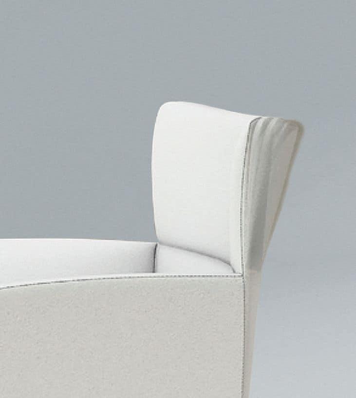 Morgana GC, Poltroncina imbottita poliuretano, schienale flessibile