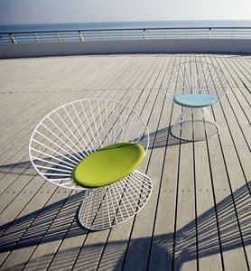 Circle C, Poltroncina per esterni, struttura in alluminio, seduta imbottita