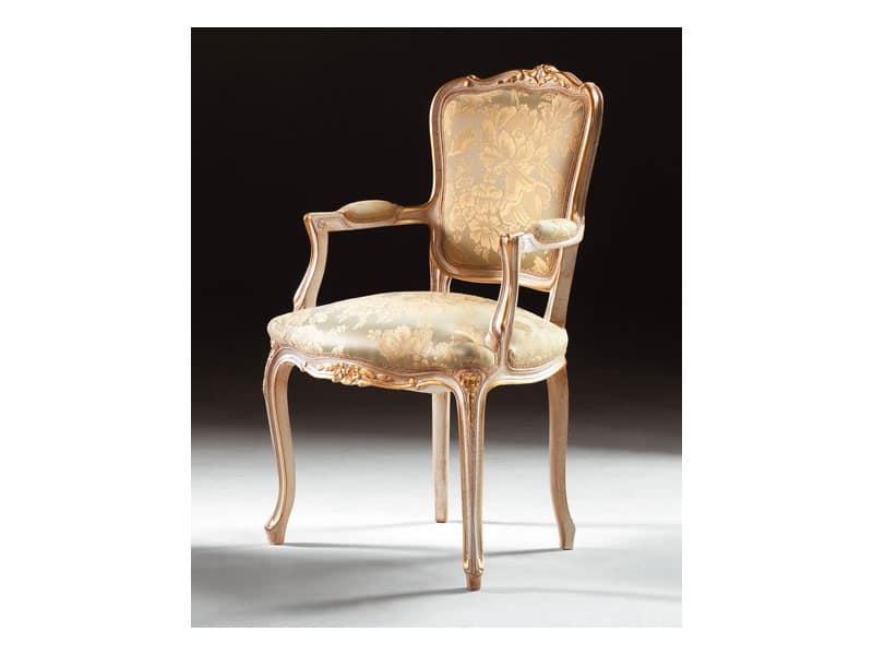 Sedia con braccioli in legno ingresso idfdesign for Sedie con braccioli