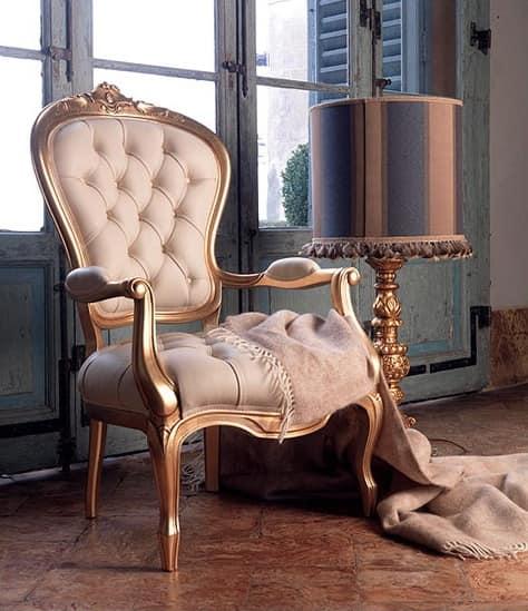 Poltroncina imbottita in pelle per salotto classico for Sedie da salotto classiche