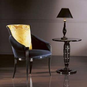 PC338, Poltroncina classica in legno, seduta e schienale imbottiti