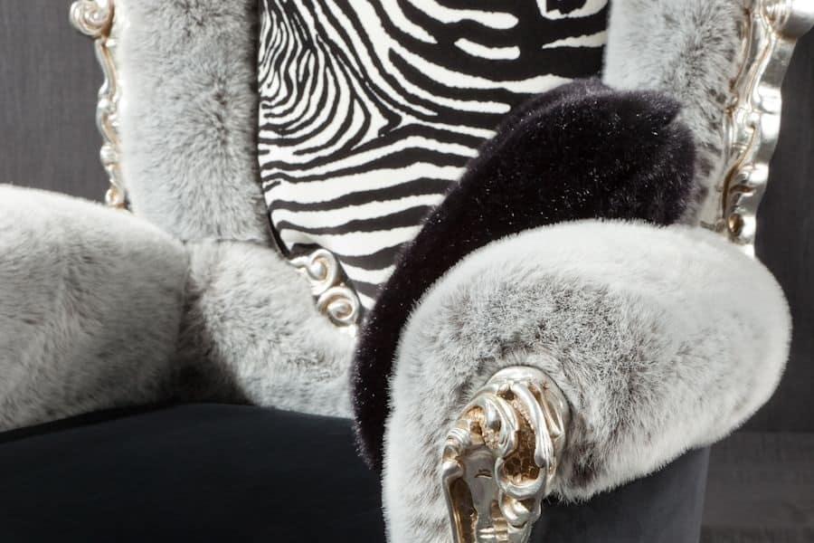 Casanova trono animalier, Poltrona in stile barocco con braccioli imbottiti