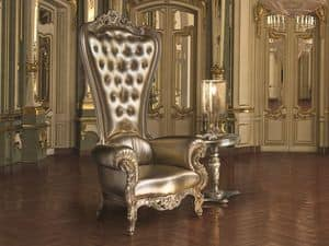B/110/17 The Throne, Poltrona in legno decorato, schienale capitonn�
