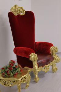 Boga trono, Lussuoso trono, in faggio intagliato