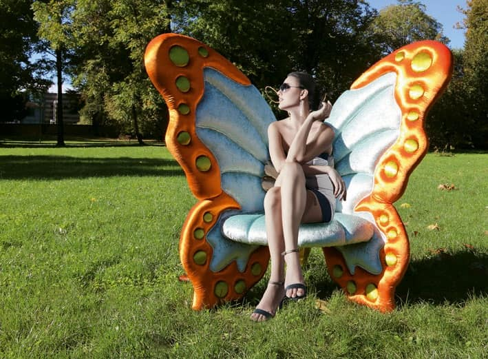 Farfallyna, Poltrona elegante dalla forma originale di farfalla