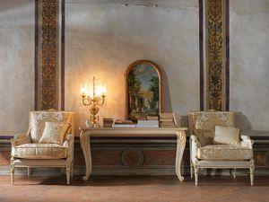 Martina poltrona, Poltrona intagliata, con decori foglia oro