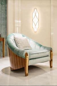 Nausicaa, Poltrona con seduta e schienale imbottiti, per salotti in stile