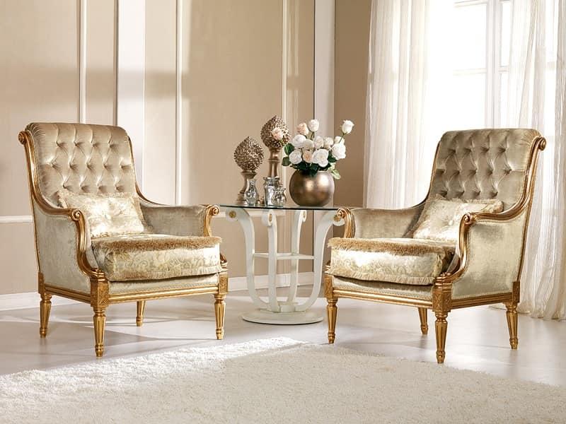 Nives Poltrona capitonné, Poltrona classica in faggio, decori preziosi, Residenza lussuosa