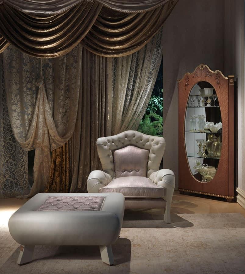 Poltrona in stile antico imbottitura capitonn per hotel for Design di bungalow di lusso