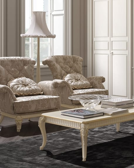 Florentia poltrona, Poltrona classica con intagli decorativi