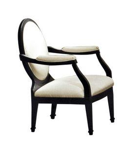 Novecento, Poltrona classica con schienale a medaglione