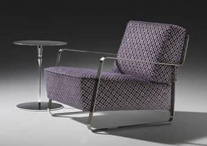 Fujiyama armchair, Poltrona con base in acciaio, rivestimento personalizzato