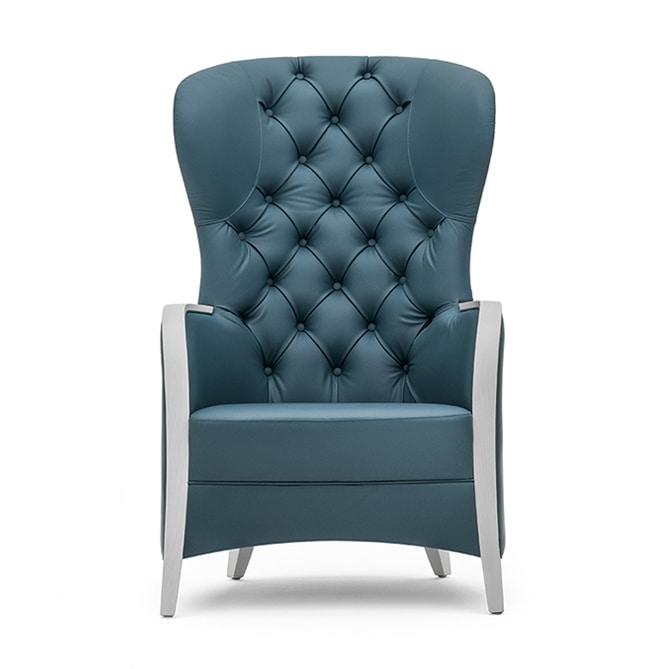 Euforia 00143K, Poltrona in legno massiccio, seduta imbottiti, schienale capitonnè, braccioli in legno, stile moderno