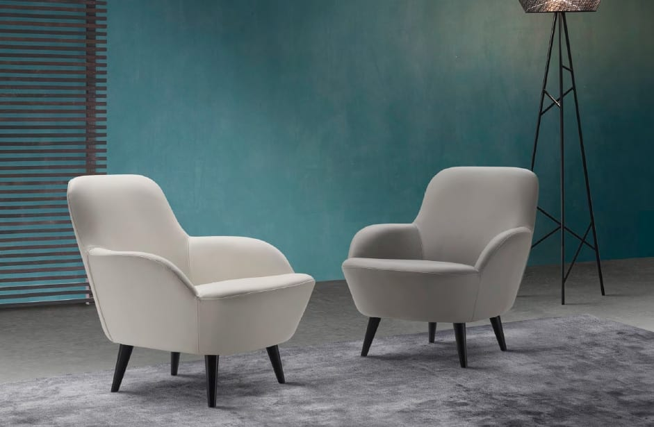 Elegante poltrona in pelle idfdesign for Poltrone moderne design