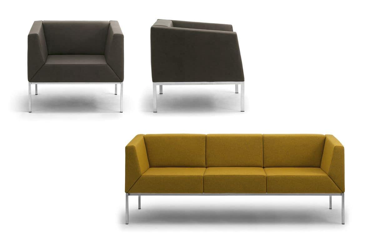 Poltrona e divano con gambe in metallo e scocca imbottita for Divani con gambe