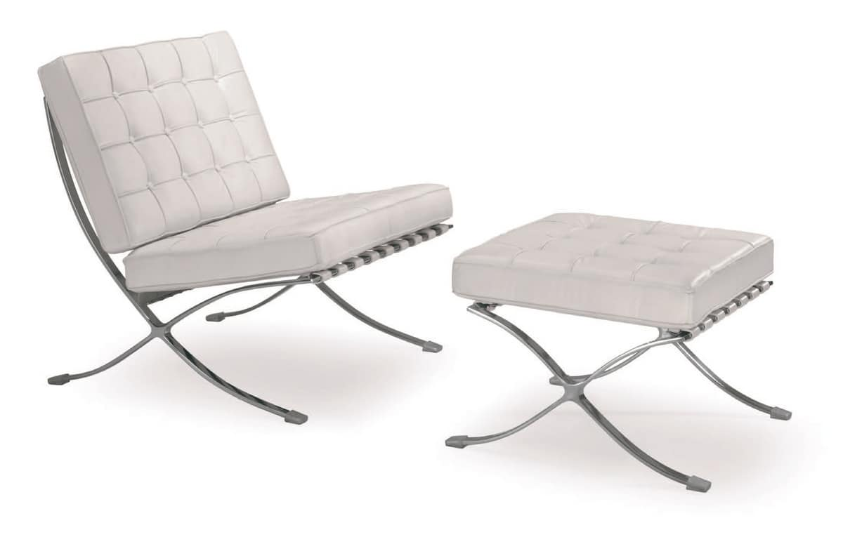 Poltrona a seduta larga con base in acciaio idfdesign for Poltrone moderne design