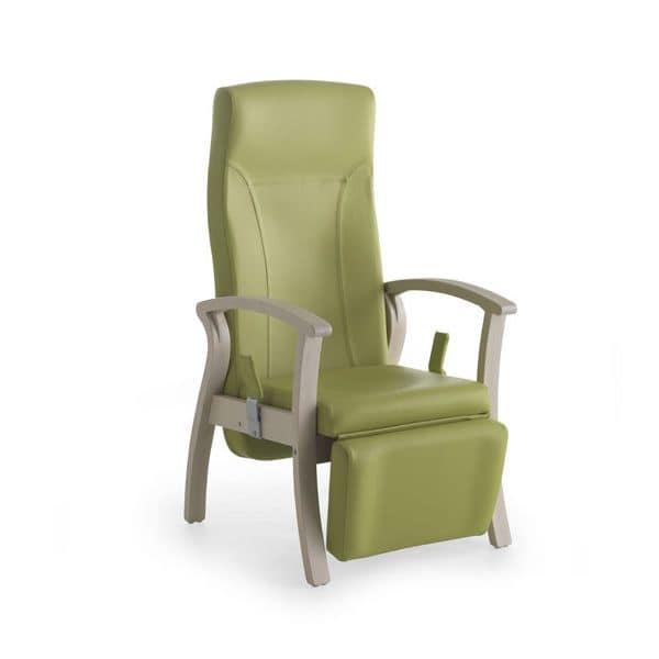 Poltrona per anziani poggiapiedi reclinabile idfdesign for Poltrone per anziani amazon