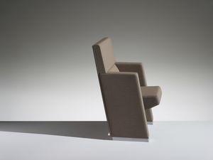L213, Poltrona per cinema e teatro con sedile ribaltabile