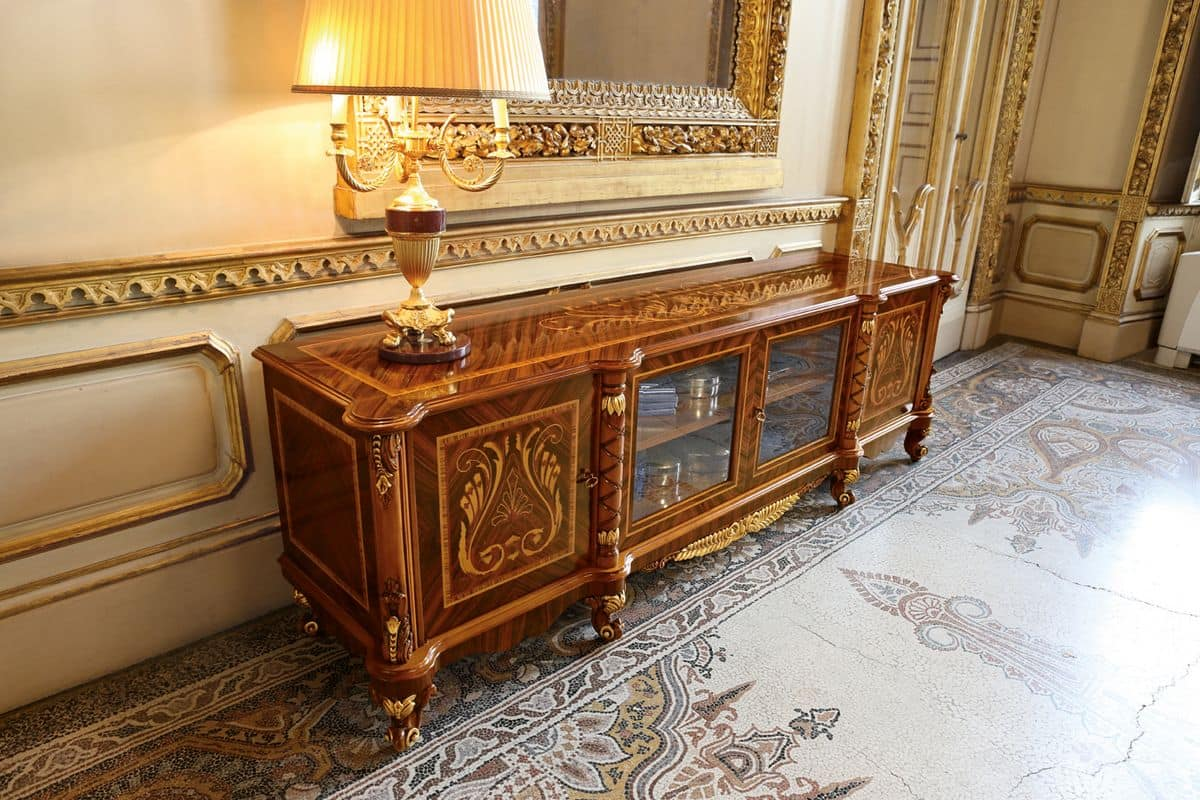 Mobile porta tv in stile classico di lusso con intagli e - Mobile porta tv classico legno ...