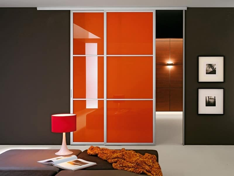 Porta scorrevole con binario a parete o a soffitto idfdesign - Parete attrezzata con porta scorrevole ...