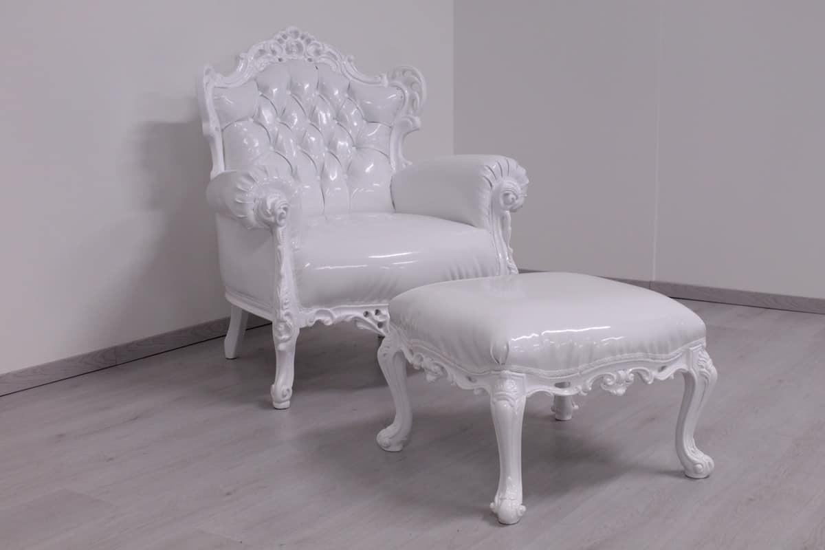 Pouf laccato bianco stile new barocco idfdesign - Divani in stile barocco ...