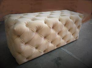 Myfair pouf, Pouf capitonn�, realizzabile su misura