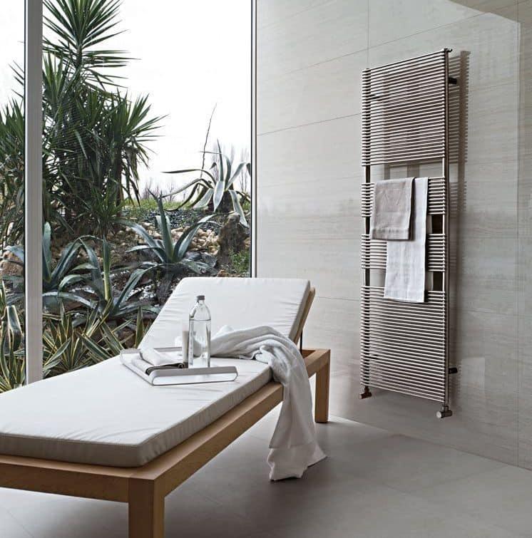 Radiatori per bagno scaldasalviette dal design minimale idfdesign - Radiatori scaldasalviette per bagno ...
