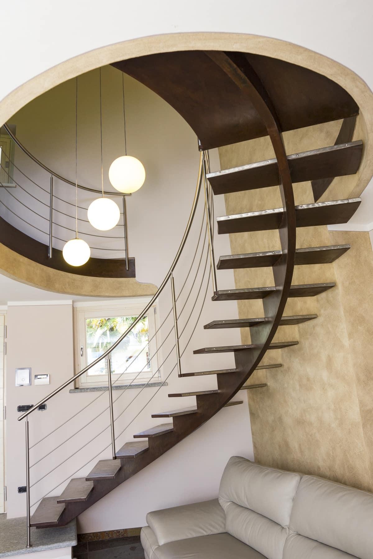 scala a giorno con pedate in acciaio spazzolato idfdesign. Black Bedroom Furniture Sets. Home Design Ideas