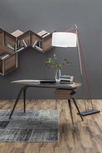 LOGOS, Scrivania con gambe in metallo e piano in legno di noce Canaletto