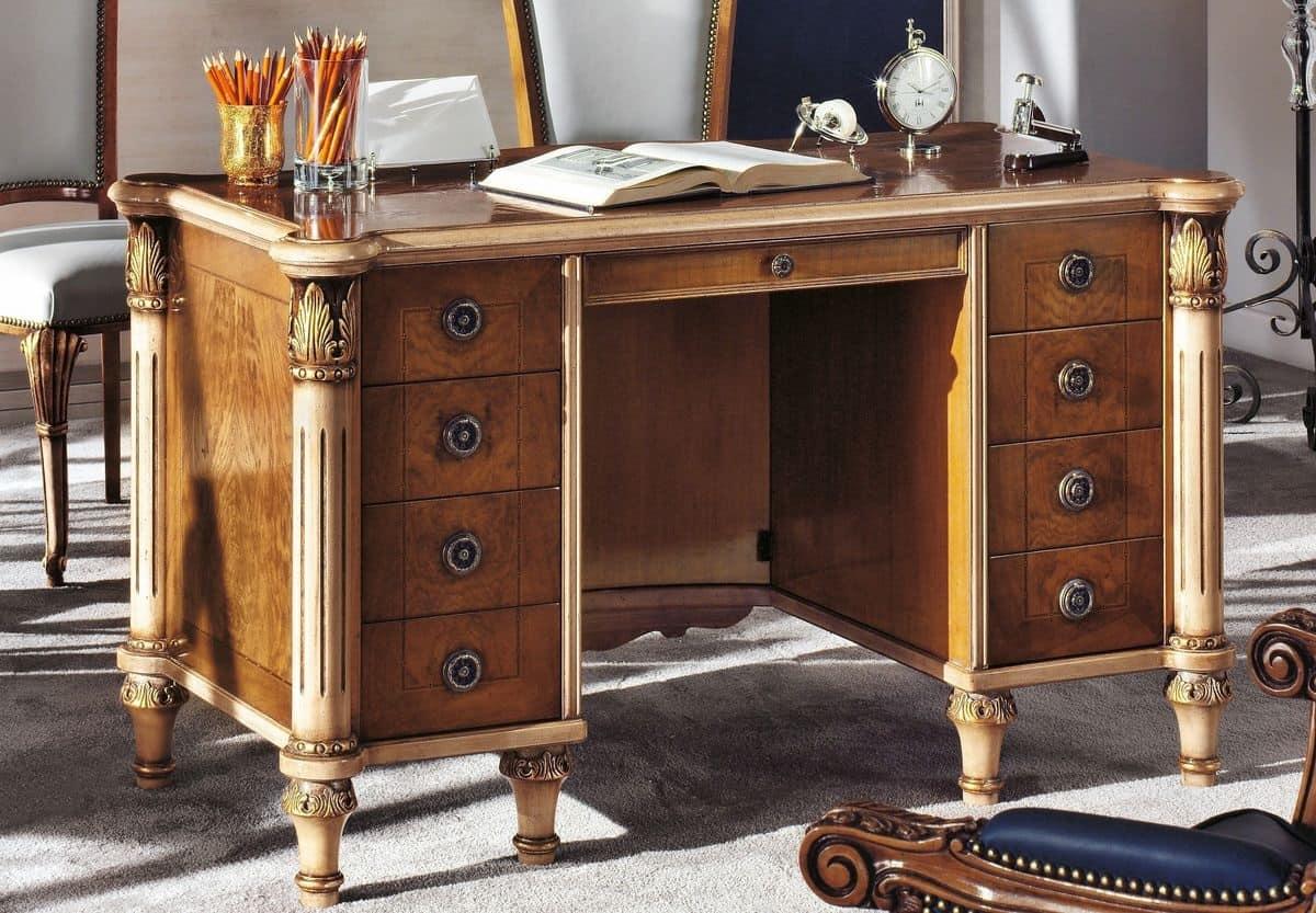 Scrivania classica di lusso in legno per la casa idfdesign for Piani di lusso per la casa