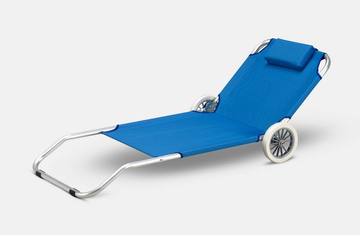Lettino da spiaggia con ruote e cuscino idfdesign for Lettino sdraio ikea