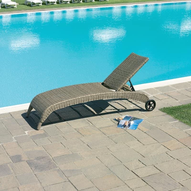 Sdraio con ruote in alluminio rivestito con wicker idfdesign - Lettini piscina ...
