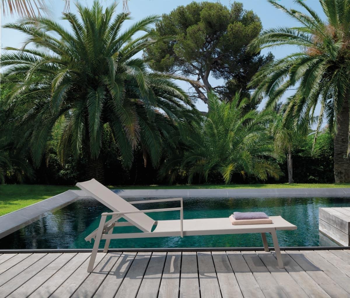 Lettino prendisole con schienale reclinabile idfdesign - Lettini piscina ...