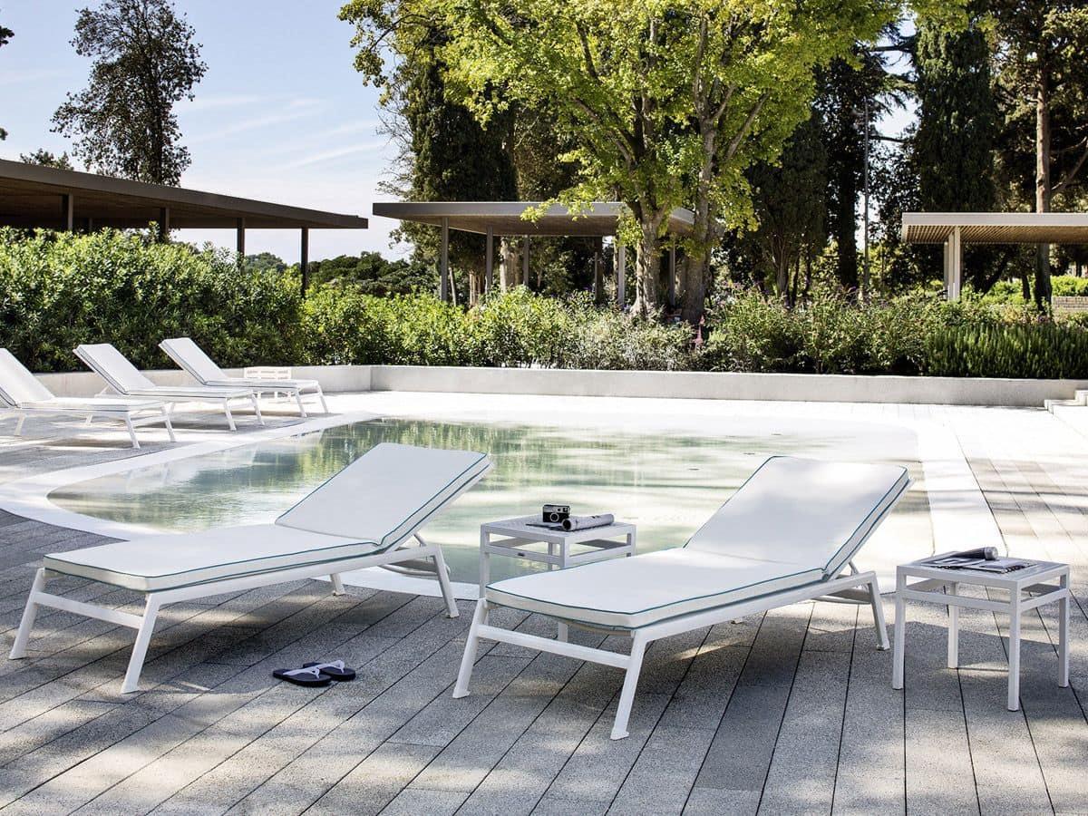 Lettino per spiaggie e piscine in alluminio e batyline for Addobbi piscina