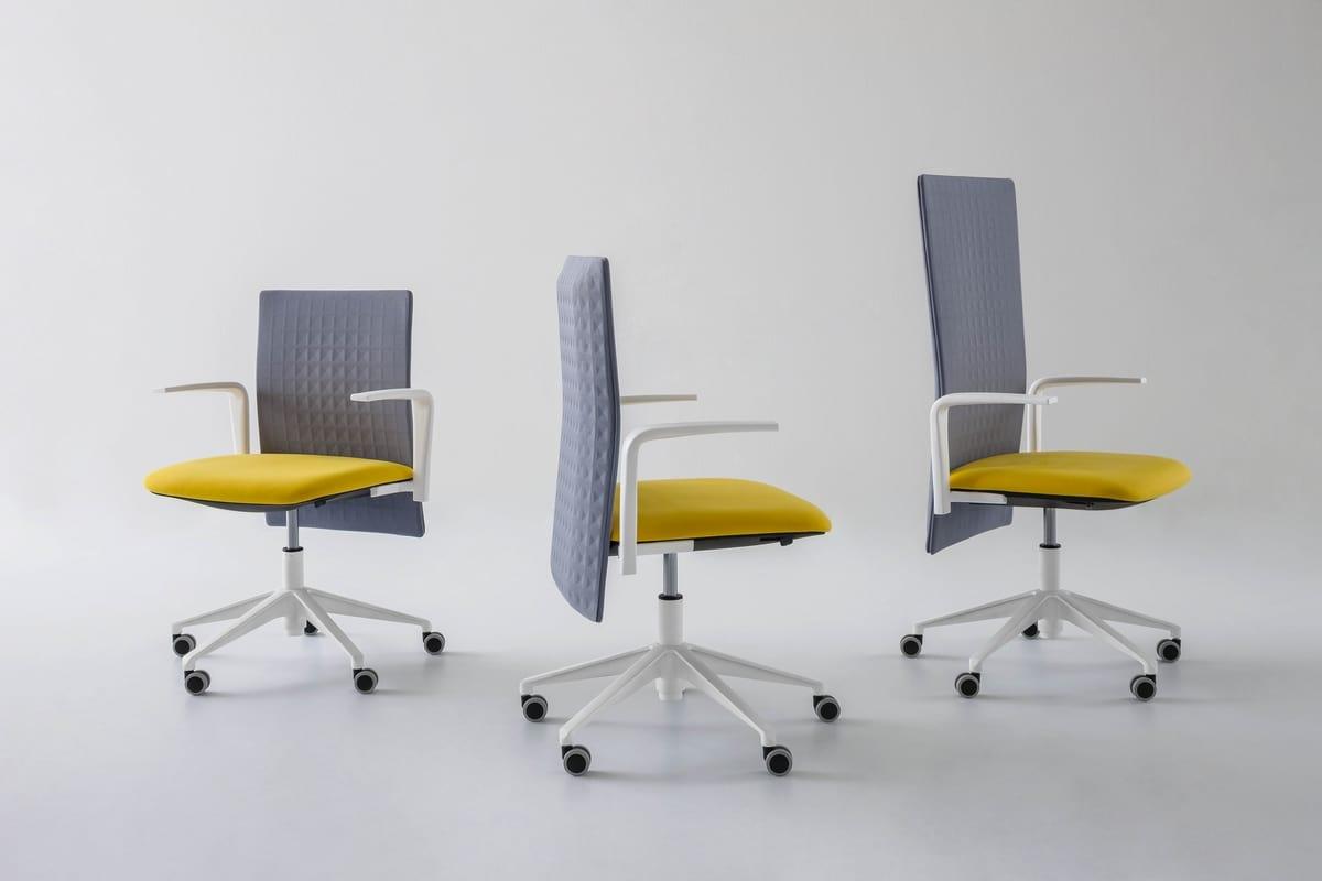Sedia per ufficio con ruote e schienale fonoassorbente idfdesign