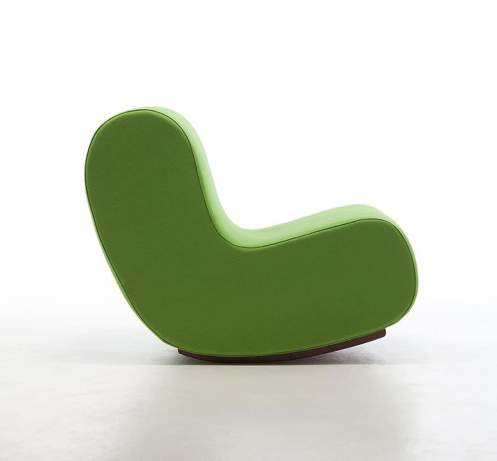 Poltrona a dondolo seduta tappezzata in espanso ignifugo for Poltrone moderne design