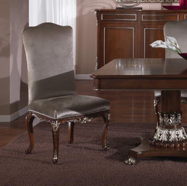 Sedia classica ideale per sala da pranzo idfdesign for Sedie per sala da pranzo classiche