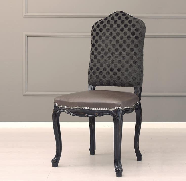 Sedia in faggio rivestimento misto con pelle e tessuto for Rivestimento sedie