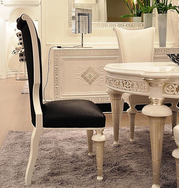 Sedia in legno laccato e ecopelle classica di lusso for Sedie cucina classiche
