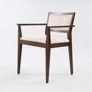 BS513A – Capotavola, Sedia in legno con braccioli